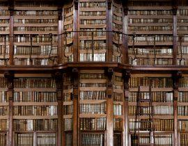 Biblioteca Angelica 2 - © Massimo Listri