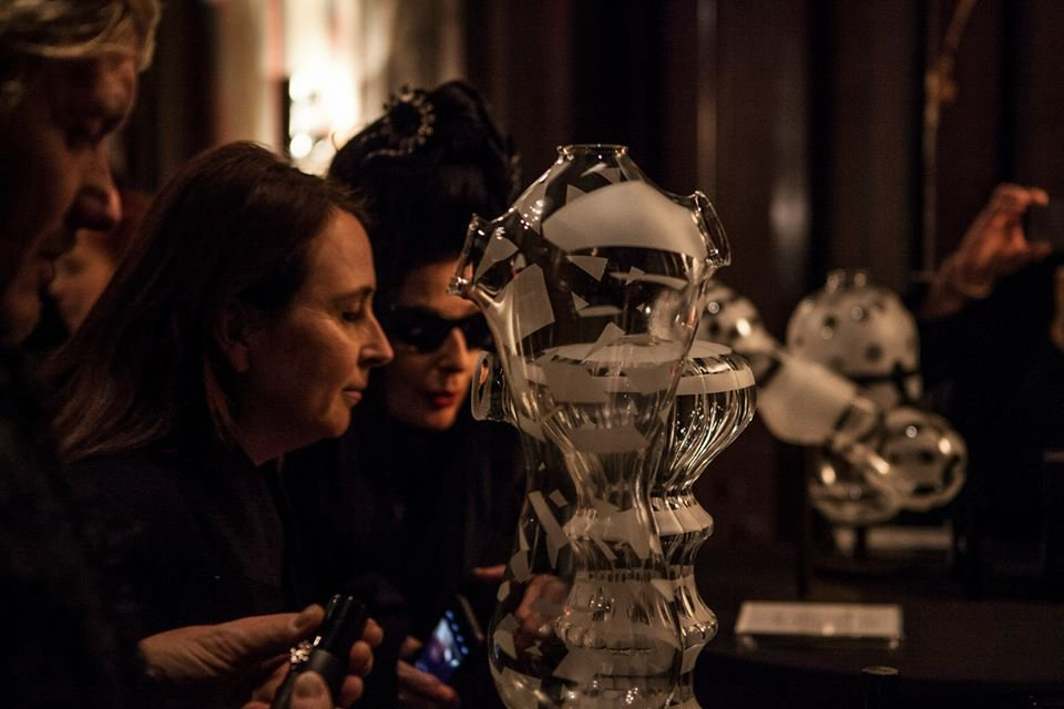 a_shaded_view_on_fashion_by_diane_pernet-diane_pernet-37364655.jpg