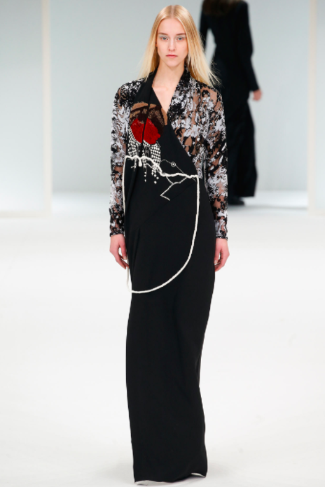 asvof-2015-03-10-hussein_chalayan_fall_winter_2015_murder_on_the_orient_express-giorgia_cantarini-170518200.png