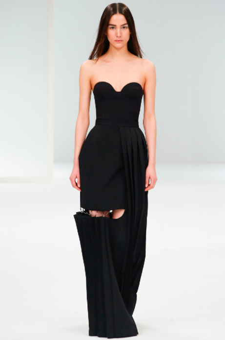 asvof-2015-03-10-hussein_chalayan_fall_winter_2015_murder_on_the_orient_express-giorgia_cantarini-1891567133.png