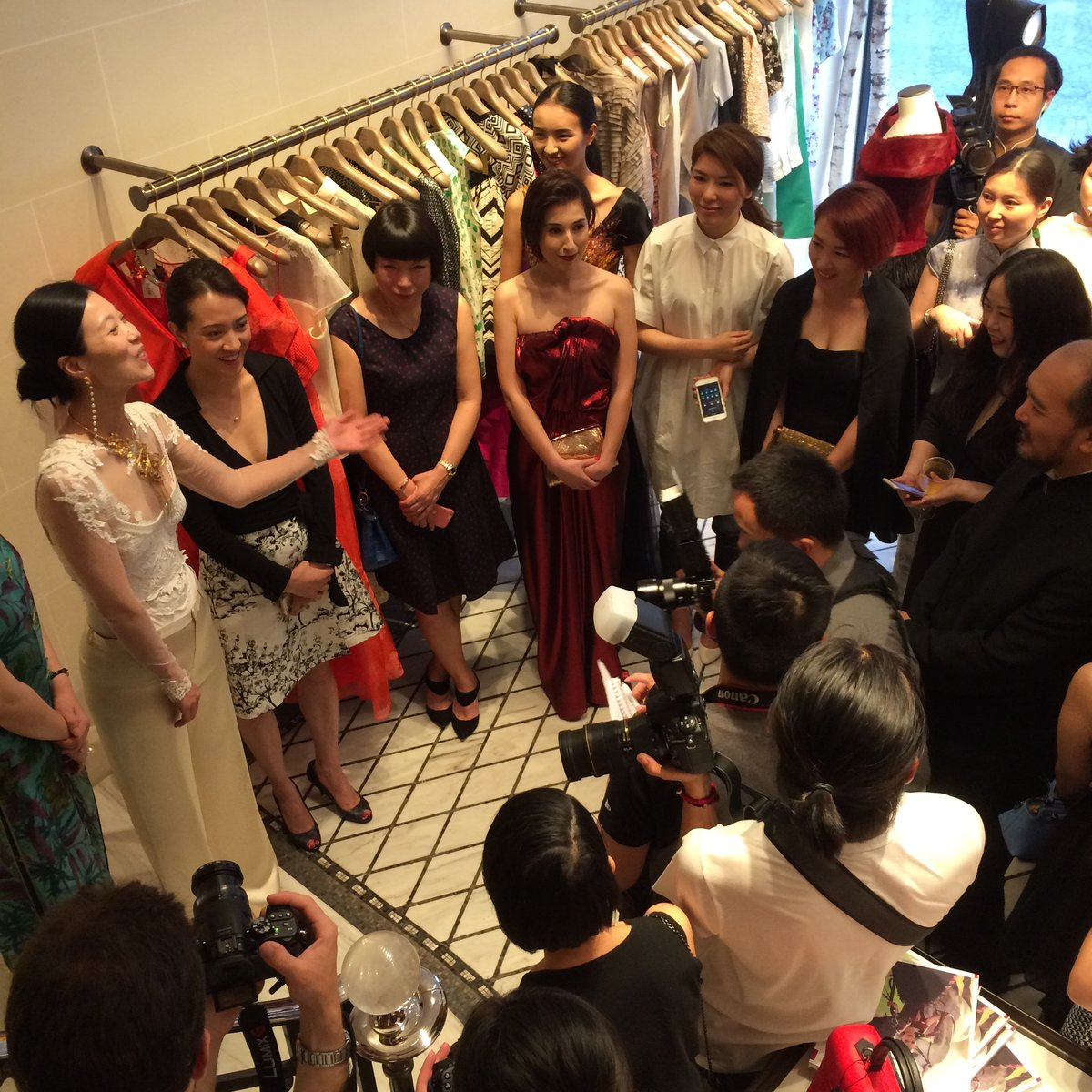 asvof-2015-07-05-10_chinese_designers_in_paris_showroom_and_currently_on_exhibition_at_les_suites-diane_pernet-1934321098.jpg