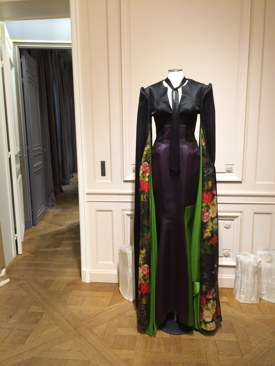 asvof-2015-07-05-10_chinese_designers_in_paris_showroom_and_currently_on_exhibition_at_les_suites-diane_pernet-740752094.jpg