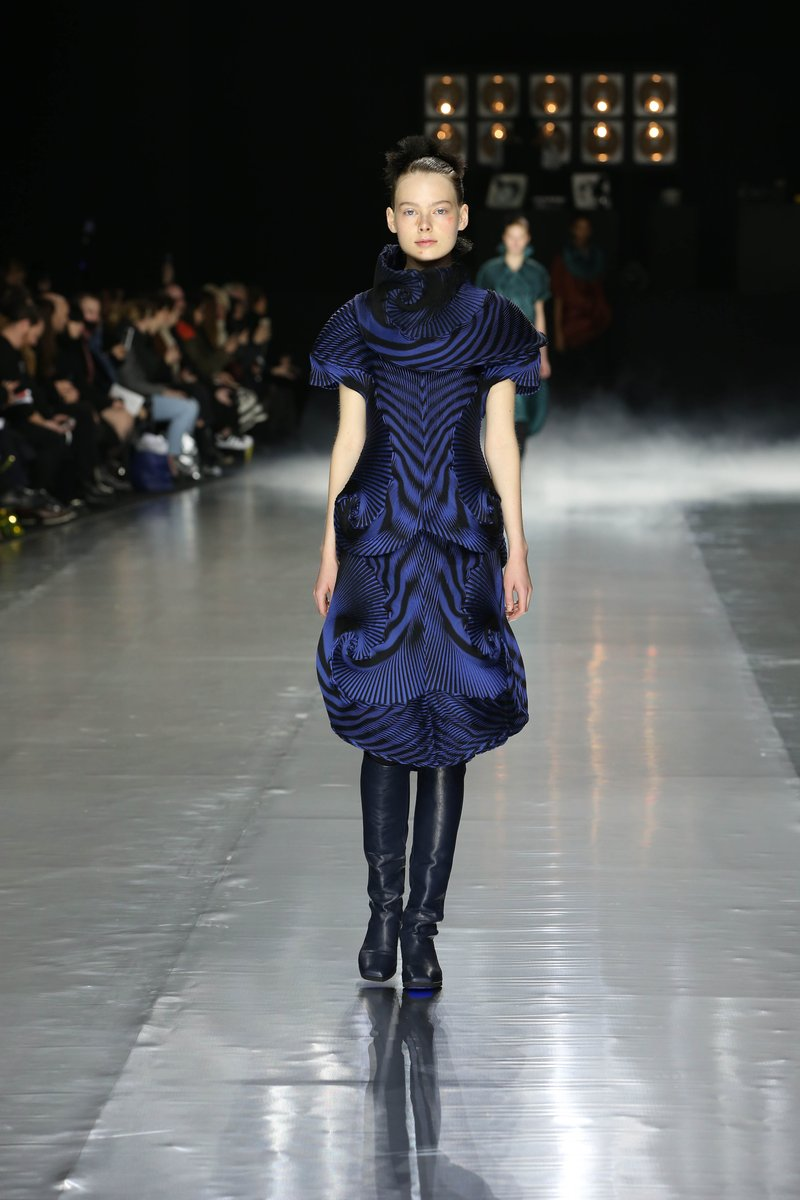 ASVOF-2016-03-05-A piece of cloth at Issey Miyake by Lily Templeton-Lily Templeton-2052549832.jpg