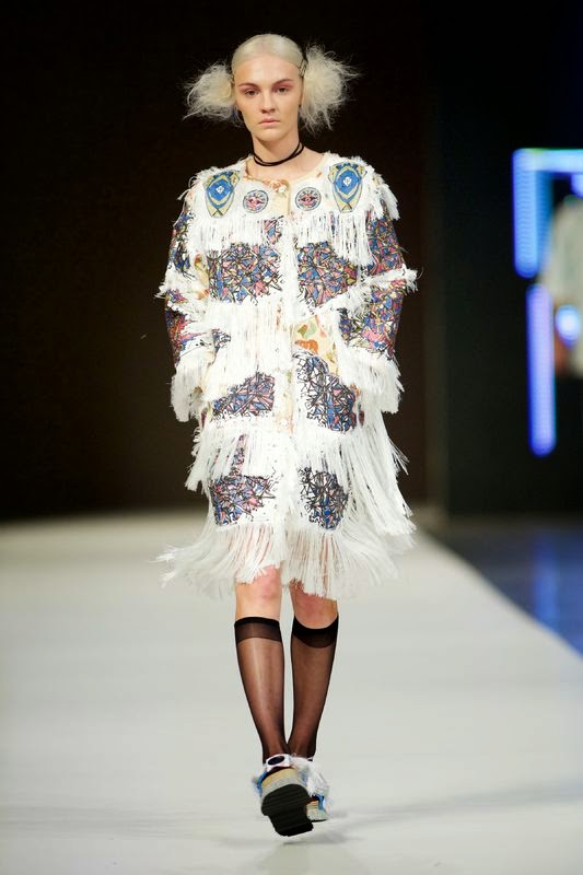 a_shaded_view_on_fashion_by_diane_pernet-philippe_pourhashemi-1434801867.jpg