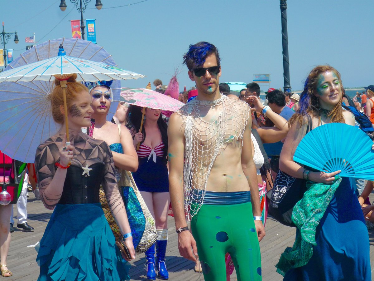 asvof-2016-06-21-mermaid-parade-coney-island-june-18-2016-photos-glenn-belverio-glenn-belverio.jpg